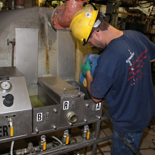 After pre-mixing of multiple injection components the pump is loaded